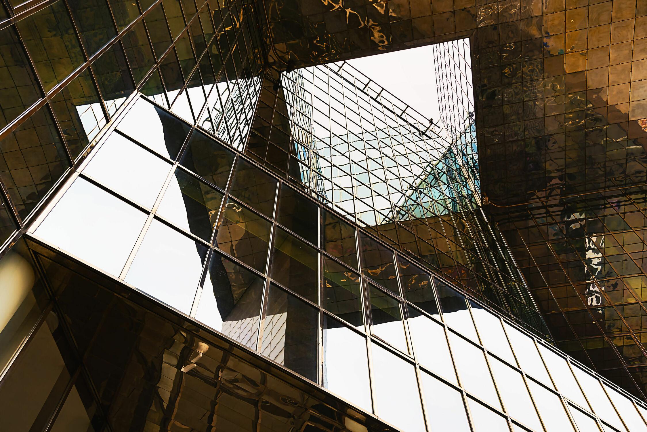 Bild mit Architektur, Gebäude, Glas, Fenster, London, Spiegelung, Perspektive, Reisen, Reisefotografie, Europa, modern, Büro, hochhaus, fassade, großbritannien, Weltstadt, Streetfotografie, UK, Glasfassade