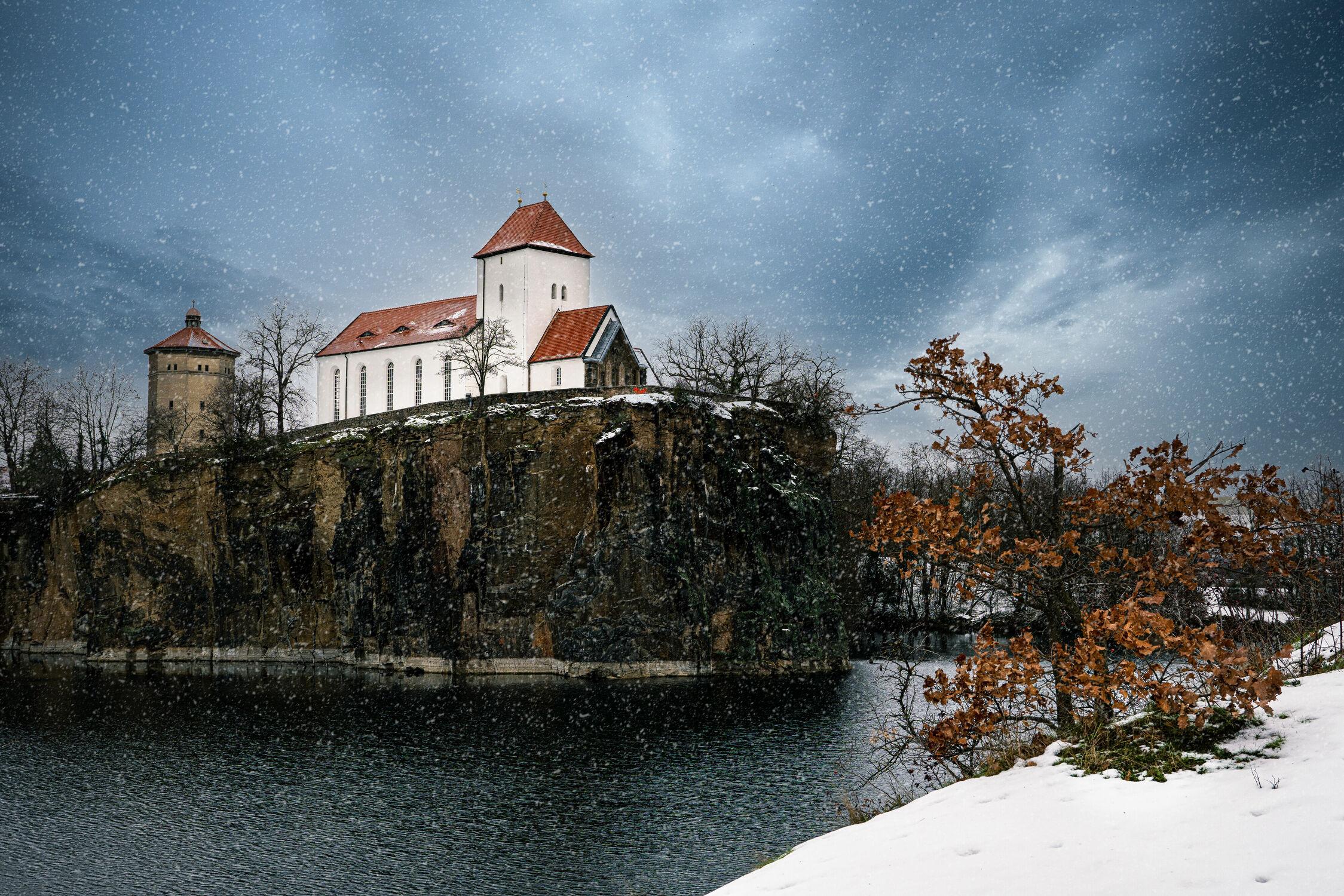 Bild mit Winter, Wetter, Schnee, Landschaft, See, Kirche, Unwetter, Sachsen, Bergkirche, Bergkirche Beucha