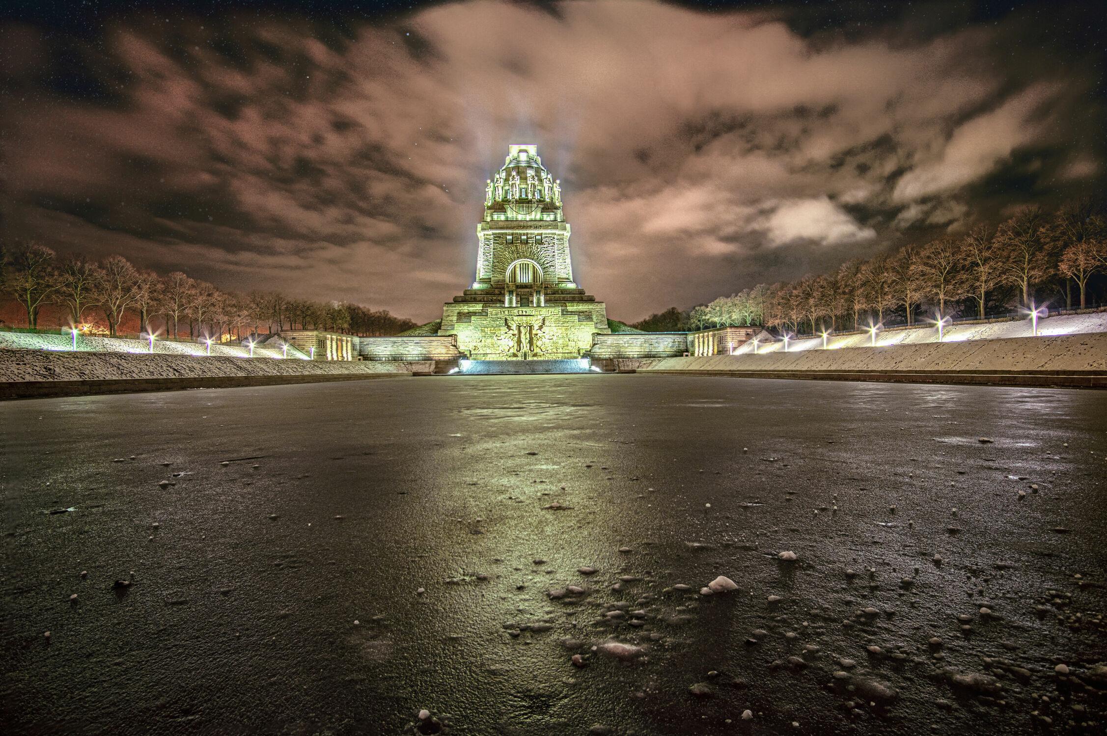 Bild mit Winter, Schnee, Bauwerke, Licht, Sterne, Nacht, Denkmal, Historisch, Leipzig