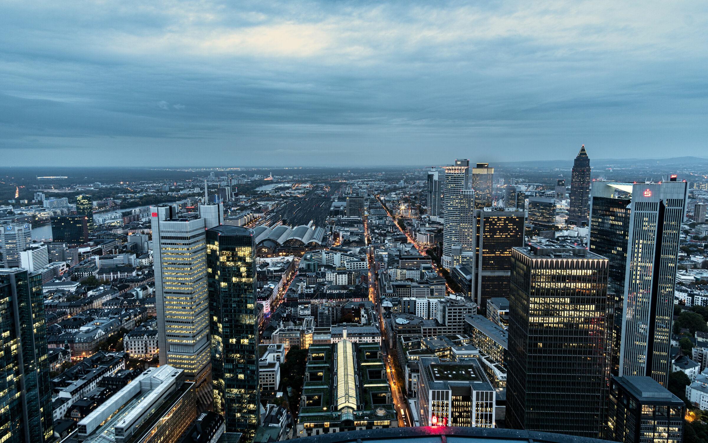 Bild mit Architektur, Städte, Skylines & Hochhäuser, Frankfurt am Main, Nacht, wolkenkratzer, Hochhäuser, Lichter