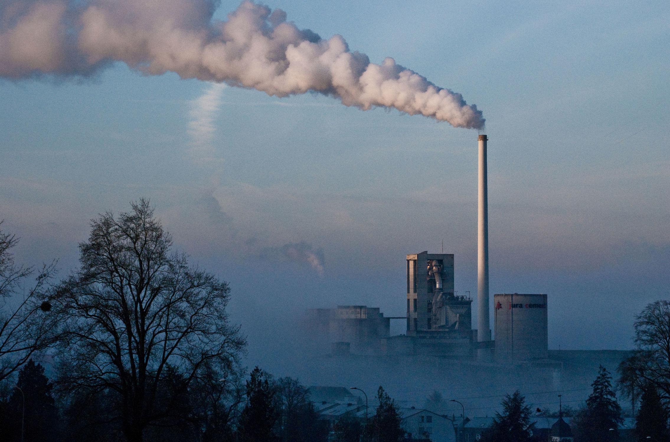 Bild mit Industrie, Industrien, Industriegebiet, industriegelände, industriell