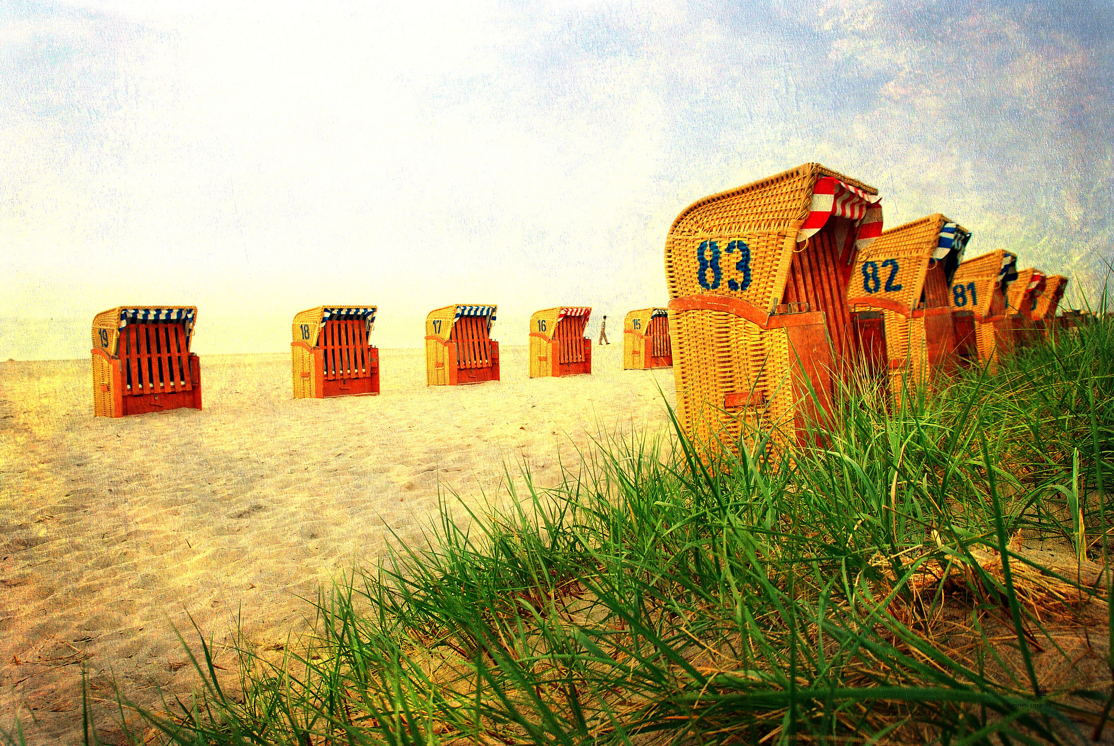 Bild mit Strand, Sandstrand, Strandkörbe, Ostsee, Meer, Strandkorb, Düne, Dünen, Textur, Strandhafer, Strandgras