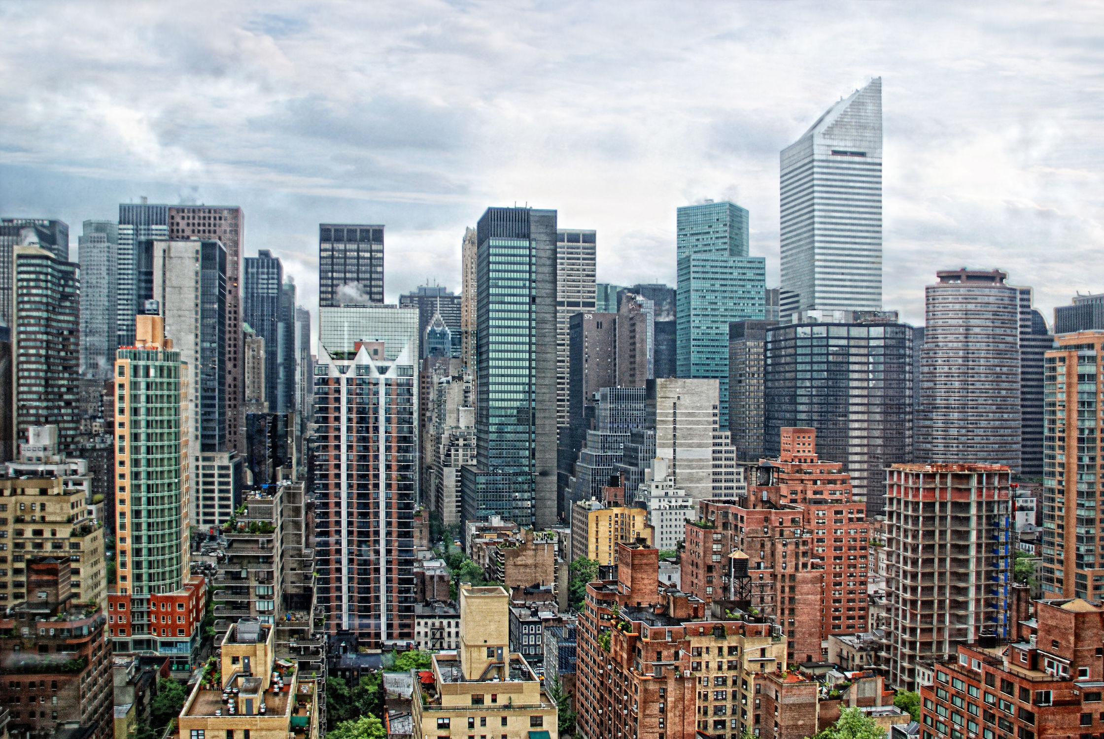 Bild mit Autos, Architektur, Straßen, Stadt, New York, Staedte und Architektur, USA, hochhaus, wolkenkratzer, Straße, Hochhäuser, Manhattan, Brooklyn Bridge, Yellow cab, taxi, Taxis, New York City, NYC, Gelbe Taxis, yellow cabs, Midtown Manhatten, Megacity