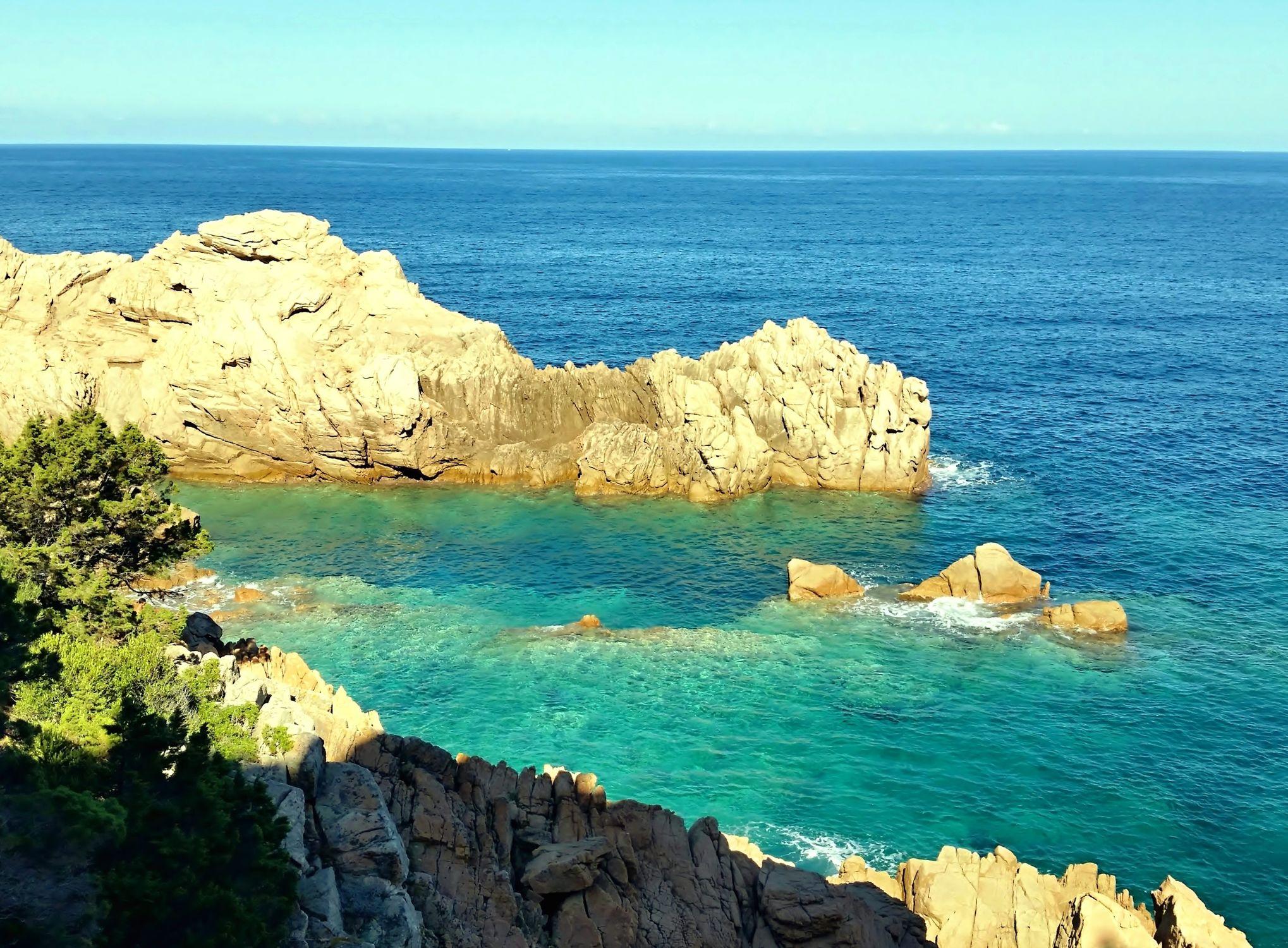 Bild mit Natur, Felsen, Italien, Meerblick, Meer, Mittelmeer, Landschaft, Sardinien, Klippen, Naturbilder