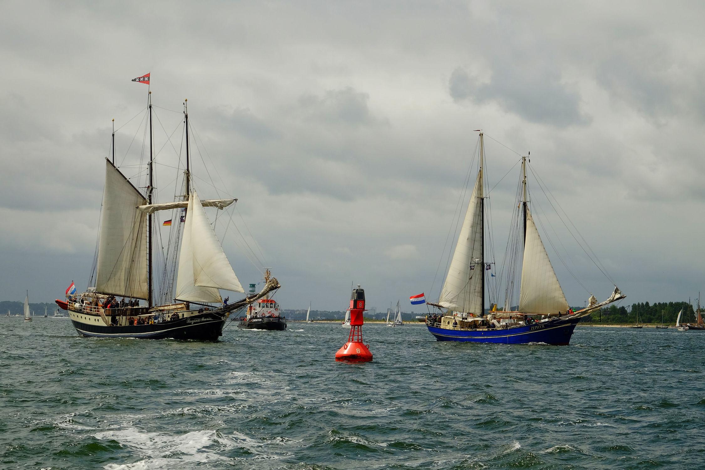 Bild mit Wellen, Schiffe, Meerblick, Ostsee, Meer, Ausspannen, Wind, Kieler_Förde, Boen, Segler, Windjammerparade
