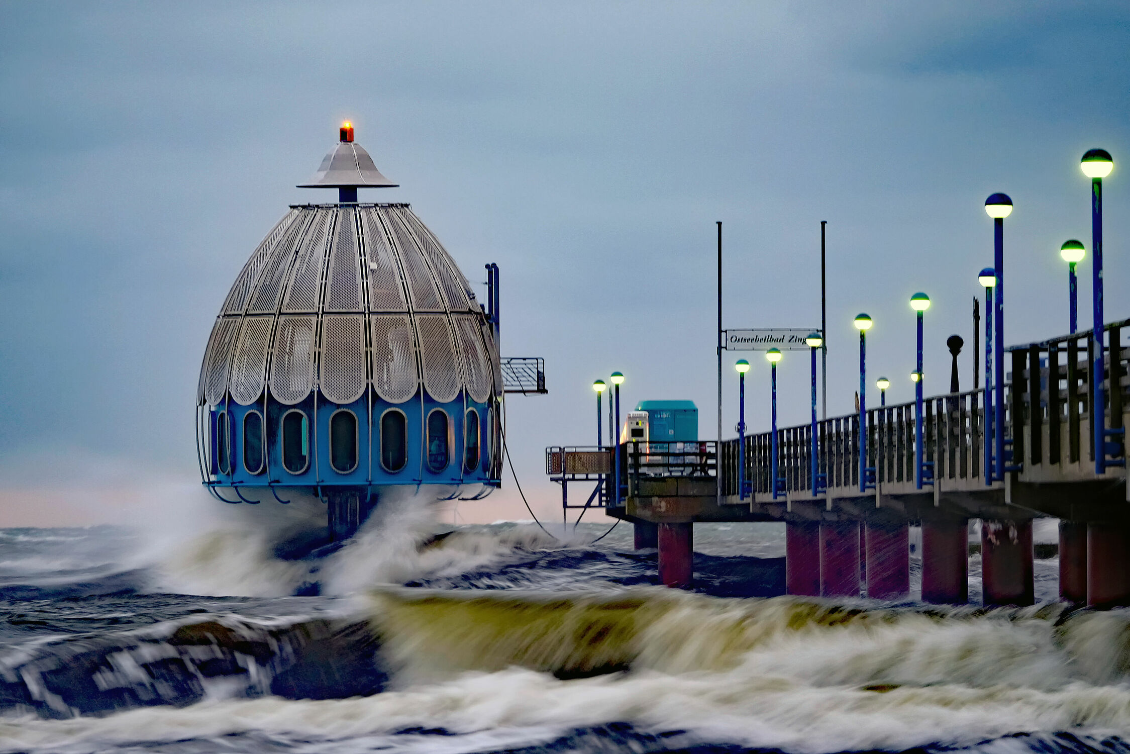 Bild mit Ostsee, Küste, sturm, Tauchglocke