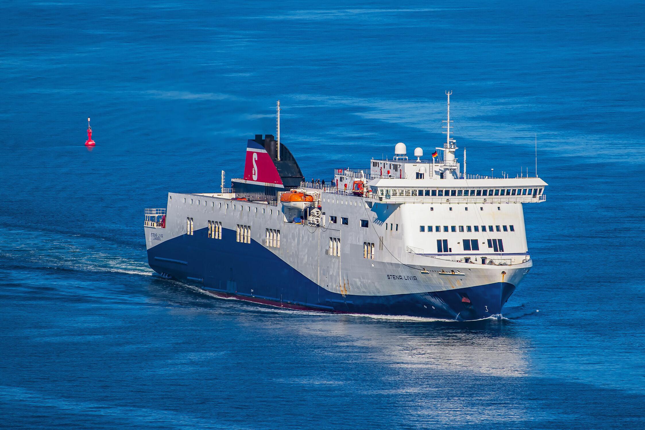 Bild mit Wasser, Wellen, Transport, Ostsee, Schiff, Schifffahrt, Wind, Fähre, Passagiere, Fracht