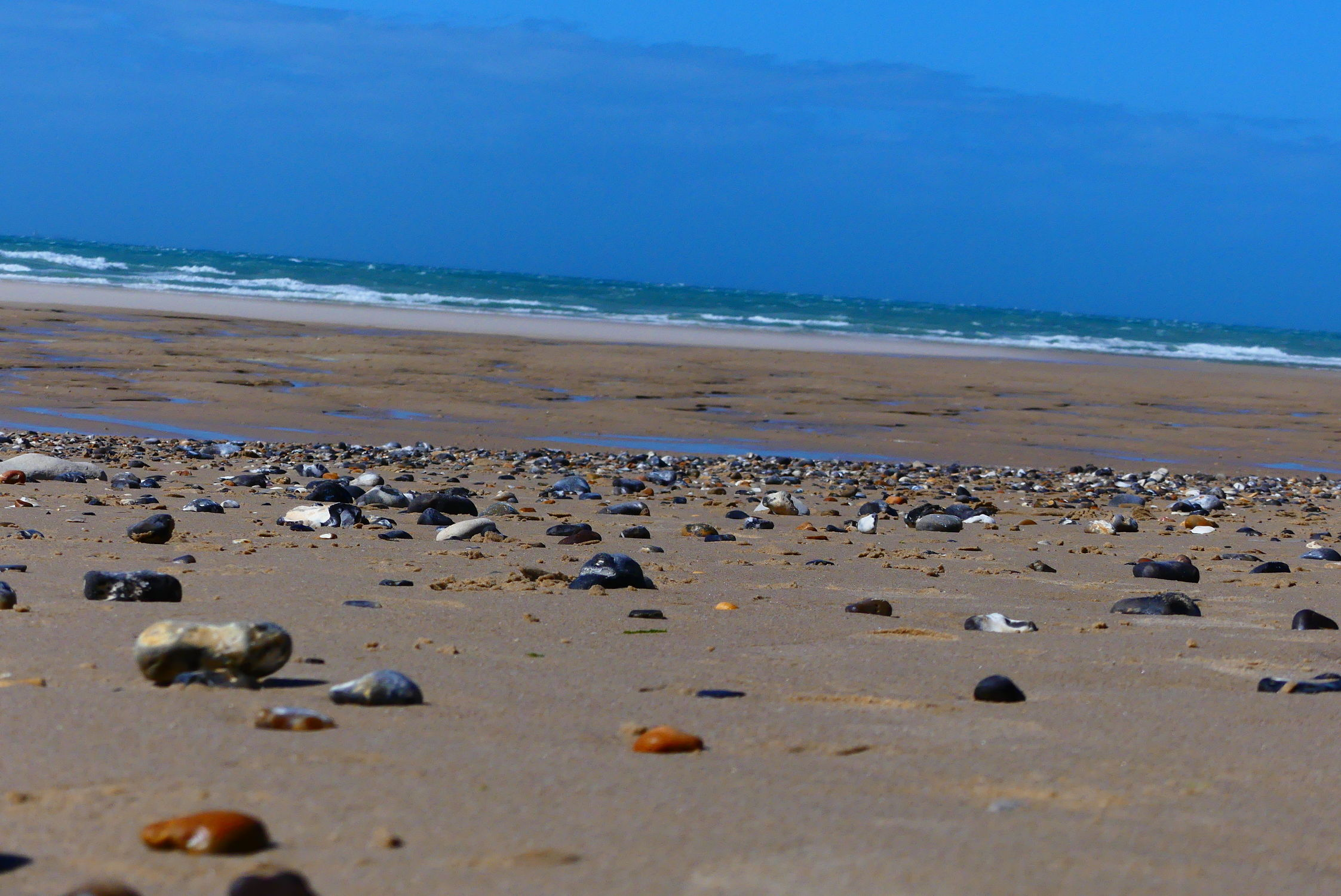 Bild mit Wasser, Sand, Strand, Meer, Steine, Küste