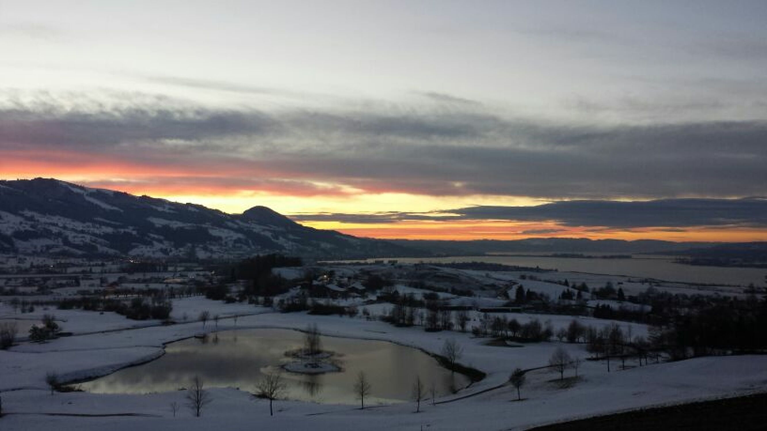 Bild mit Himmel, Sonnenuntergang, Wolkenhimmel, Landschaft