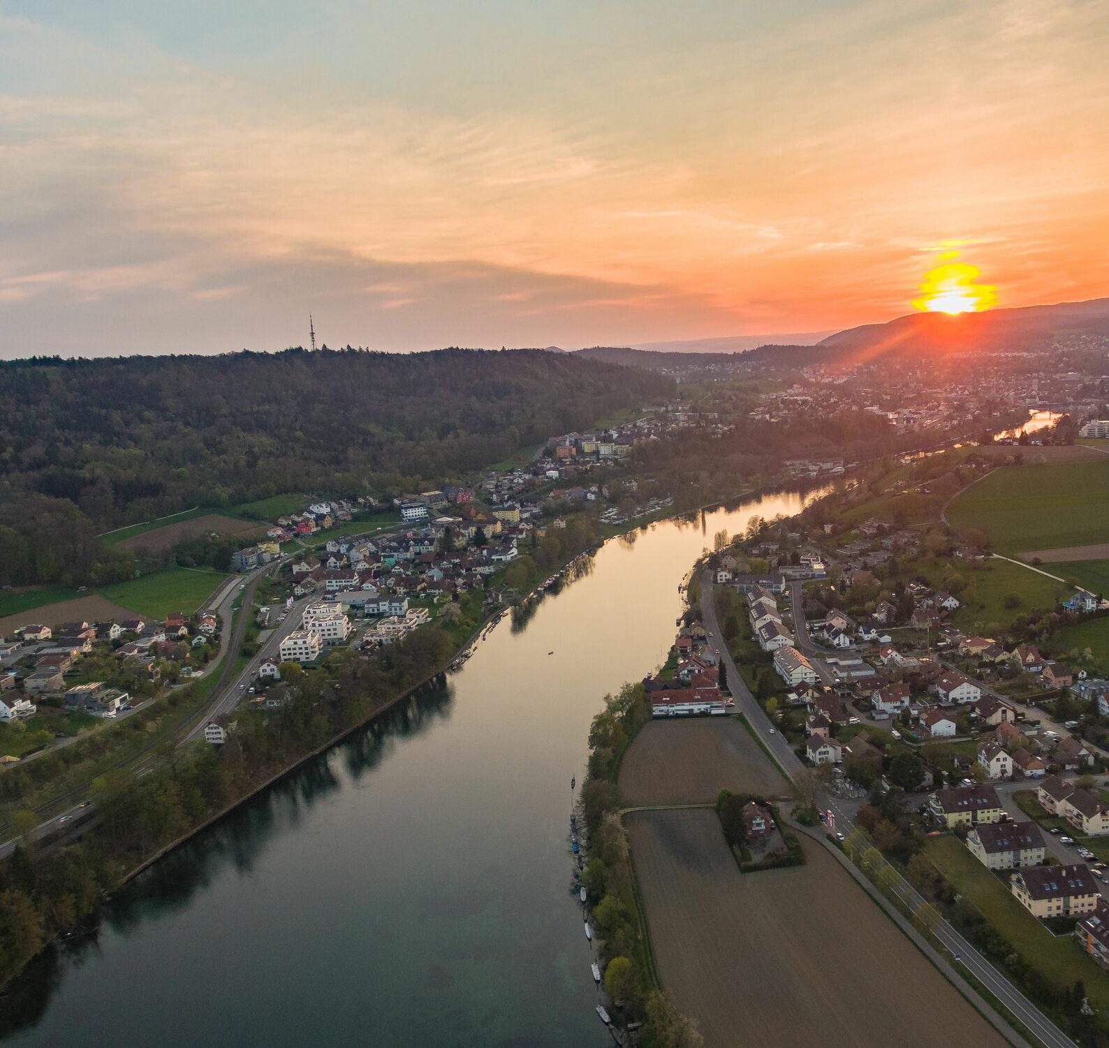 Bild mit Sonnenuntergang, Abendrot, Rhein, Zürich