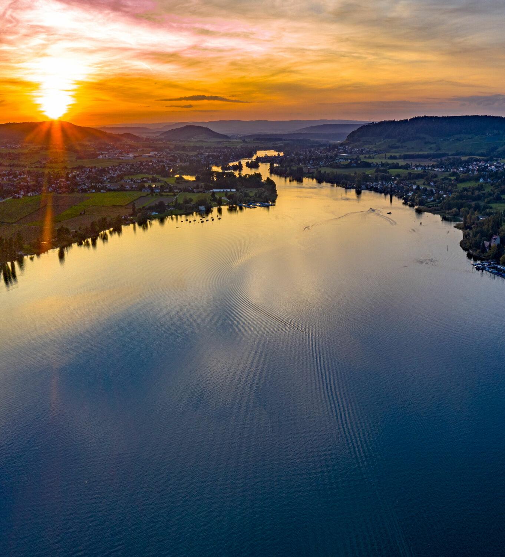 Bild mit Wasser, Sonnenuntergang, Abendrot, Sonnen Himmel, Rhein, Luftaufnahme, Thurgau