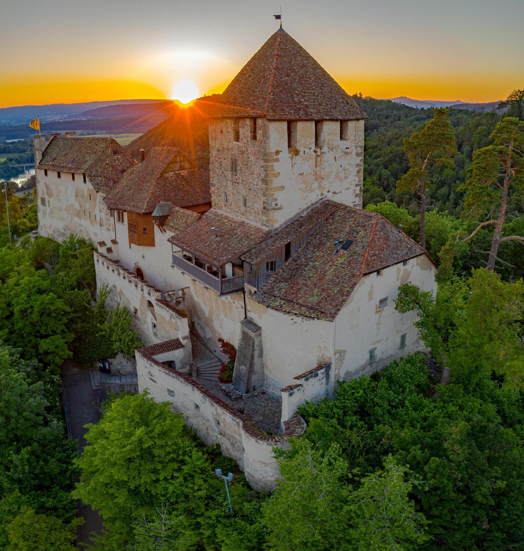 Bild mit Sonnenuntergang, Schlösser und Burgen, Luftaufnahme, Drohnen, Schaffhausen