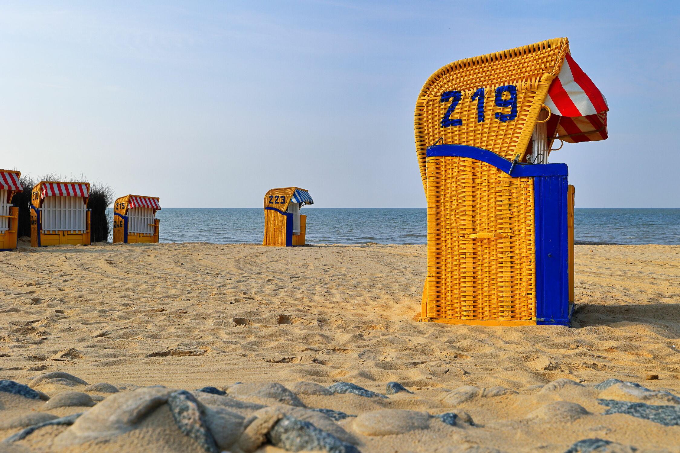 Bild mit Wasser, Wellen, Urlaub, Windsurfen, Sandstrand, Meerblick, Strandkörbe, Nordseeküste, Cuxhaven, Geschenk