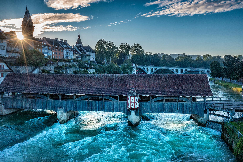 Bild mit Wasser, Städte, Brücken und Bögen, Sonnenuntergang/Sonnenaufgang, Fluss, Wellen Ozean, Szenen, stauwehr