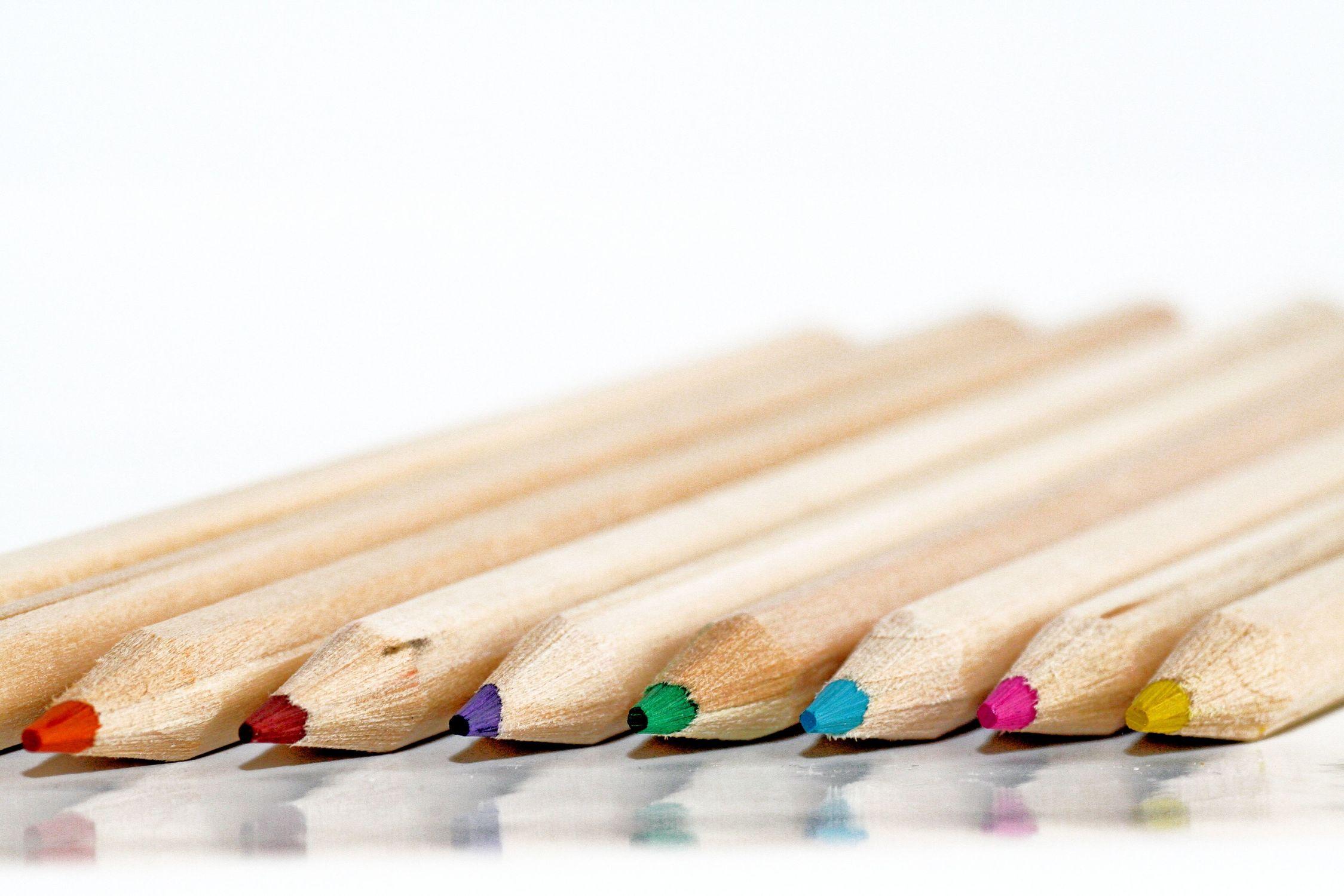 Bild mit Stift, Stifte, Buntstift, Buntstifte, Malstifte, Zeichenstift, farbige Stifte, Farbstift, Farbstifte, Zeichenstifte