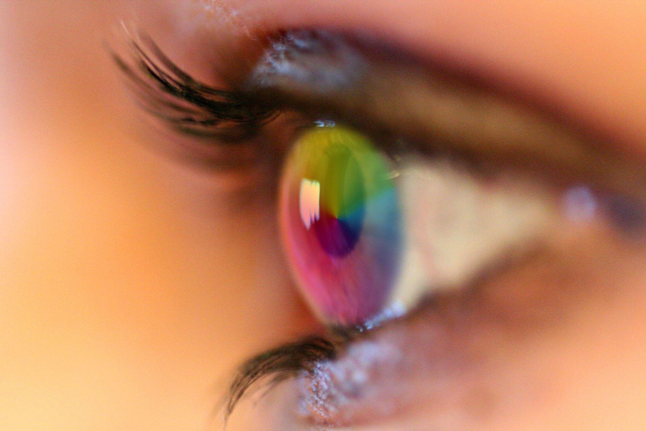 Bild mit Farben, Menschen, Körperteile, Köpfe, Augen, Haut, Blau, Augenbrauen, Gesichter, Wimpern, Kameras und Objektive
