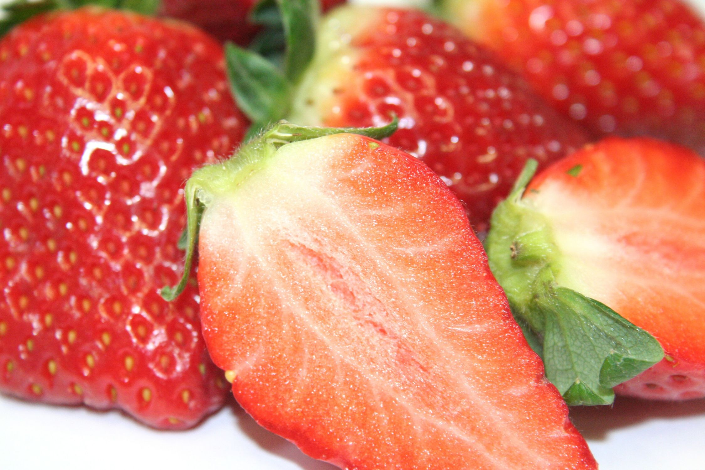 Bild mit Früchte, Lebensmittel, Essen, Rot, Beeren, Frucht, Erdbeere, Erdbeeren, leckere Erdbeeren, Strawberry
