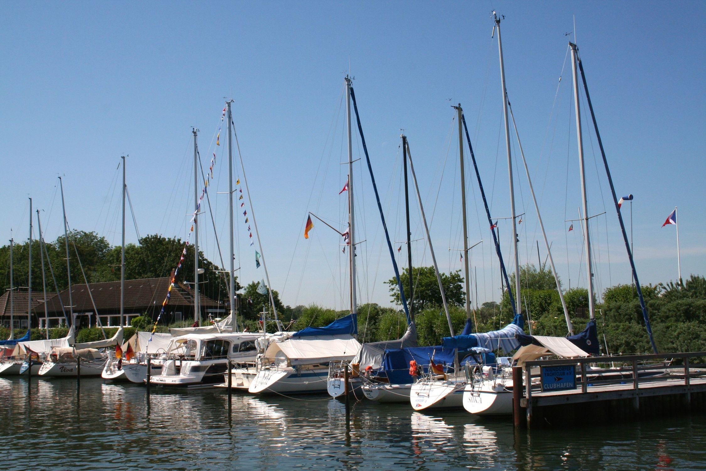 Bild mit Häfen, Boote