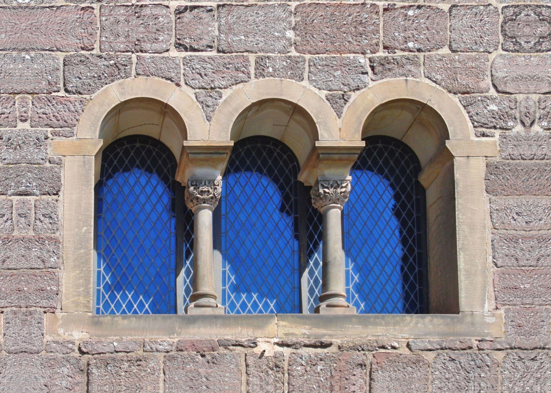 Bild mit Architektur, Fenster