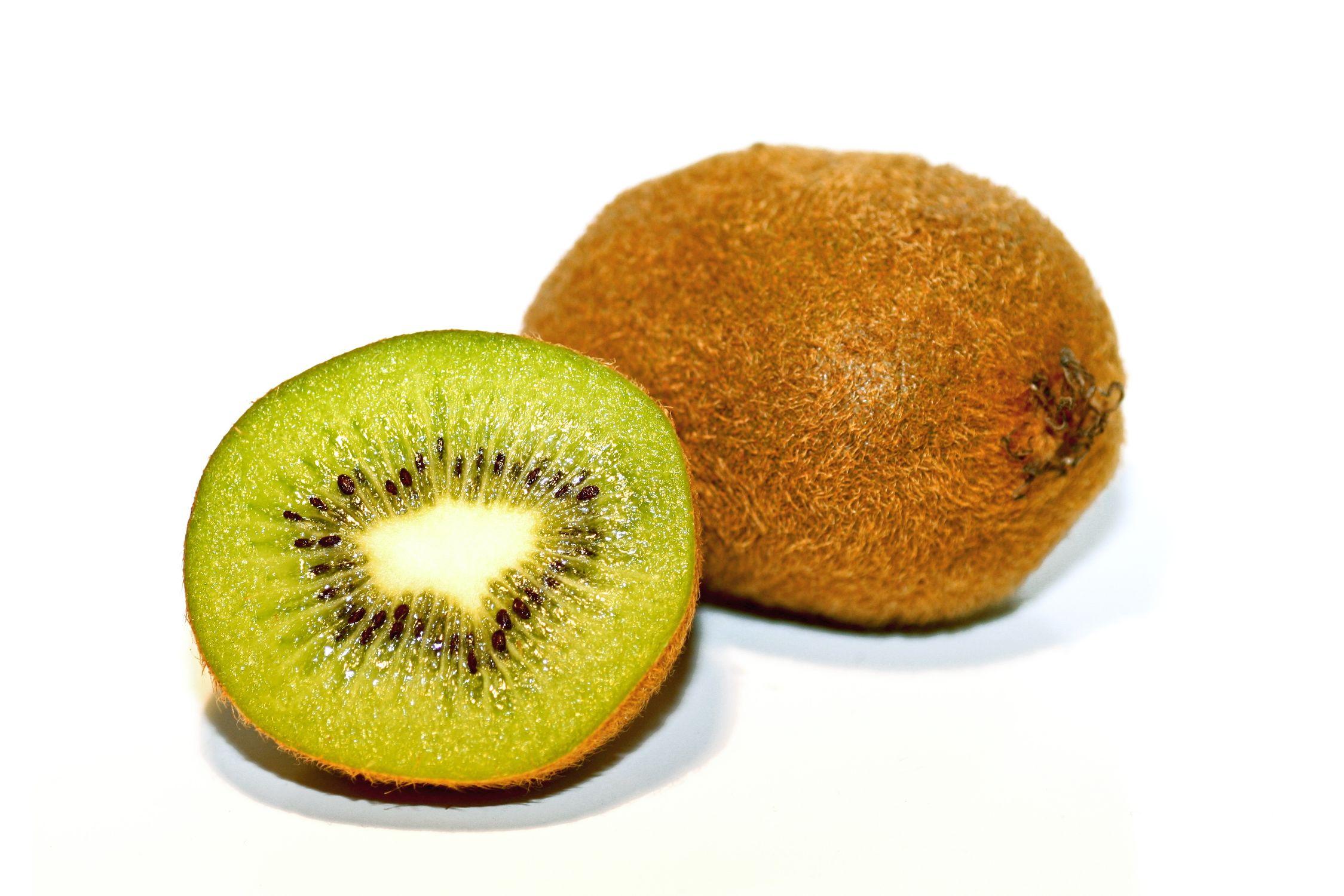 Bild mit Früchte, Lebensmittel, Essen, Frucht, Fruit, Fruits, Kiwi, Kiwies, Kiwifrucht, Küchenbild