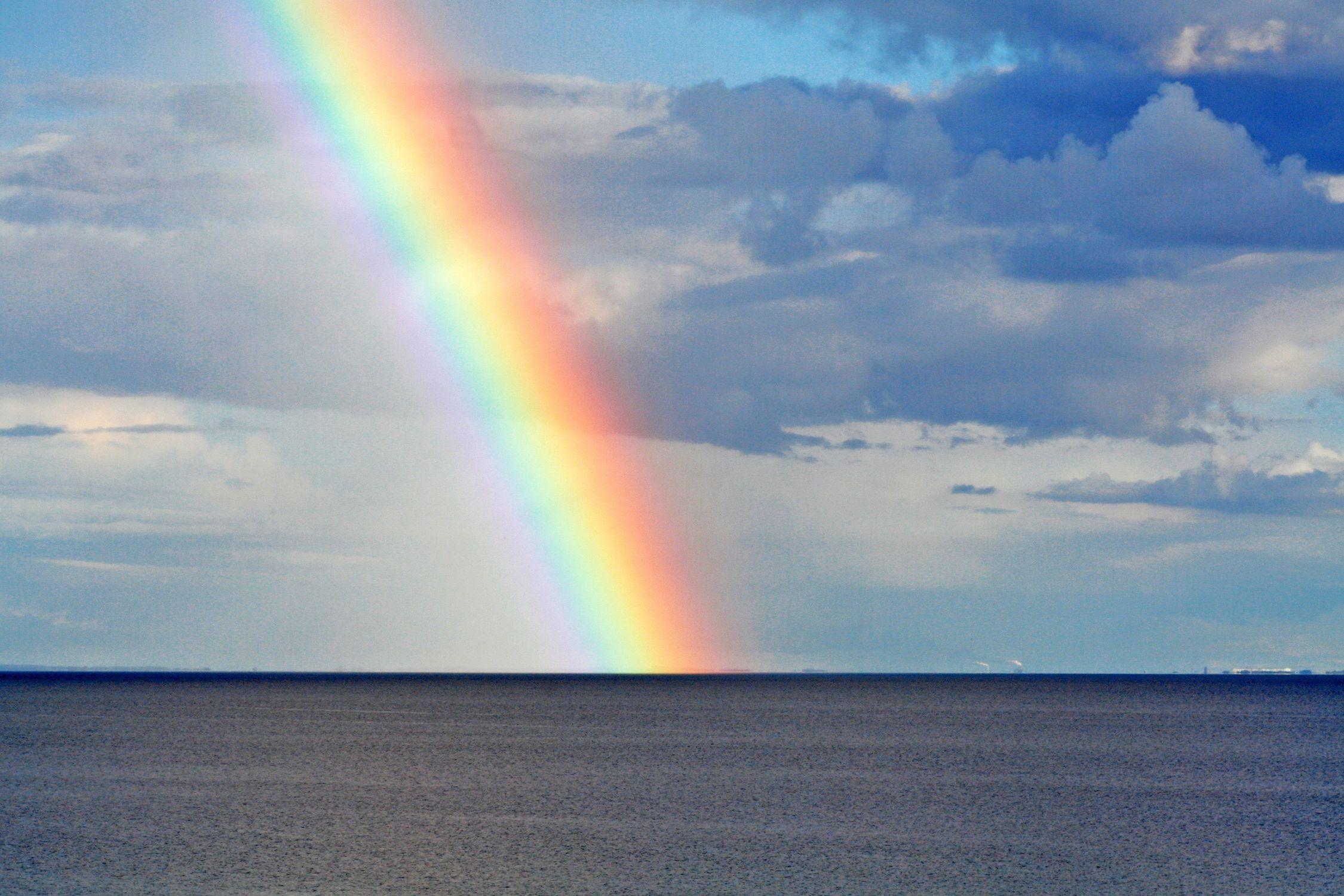 Bild mit Natur, Landschaften, Himmel, Wolken, Gewässer, Meere, Horizont, Regenbögen, rainbow