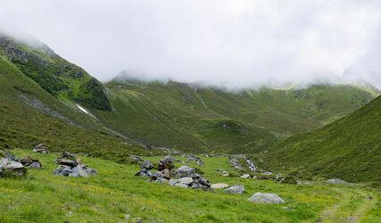 Bild mit Natur, Berge, Alpenland, Alpen Panorama, Panorama, Steine, Wolken am Himmel, Himmel Panorama, Nebelwolken, Nebelwand