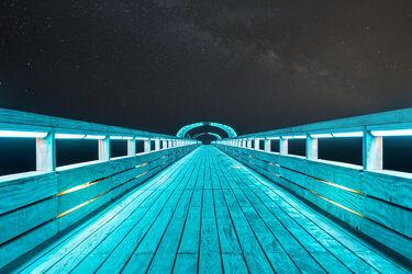 Bild mit Ostsee, Steg, Nordsee, Seebrücke, Sterne, Nacht, Milchstraße, leuchten, Seebrücke Kellenhusen
