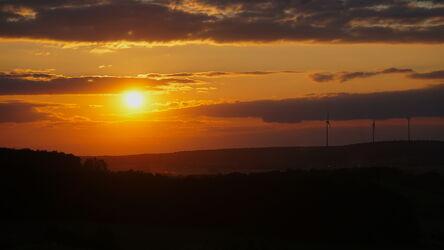 Bild mit Sonnenuntergang, Sonne, Sonnenschein