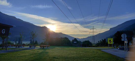 Bild mit Berge, Sonnenaufgang, Blautöne