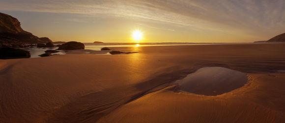 Bild mit Natur, Wasser, Gewässer, Sonnenuntergang, Sonnenaufgang, Strand, Sandstrand, Panorama, Am Meer, ozean