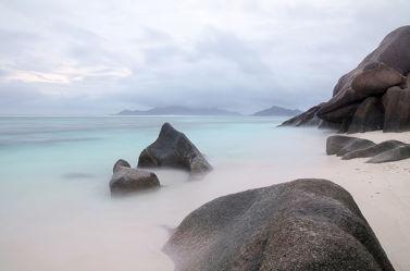 Bild mit Natur, Gewässer, Strände, Stein, Strand, Sandstrand, Meer, Nature, See, Fels
