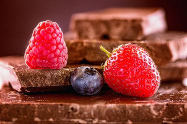 Bild mit Lebensmittel, Essen, Beeren, Himbeere, Food, Küchenbilder, KITCHEN, wandtapete, Küche, Küchen, Schokolade