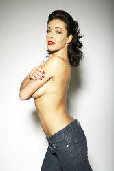 Stripteas in Jeans Akt