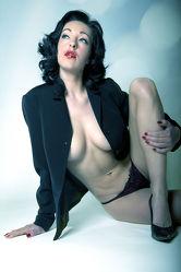 Posing Model Aktbild