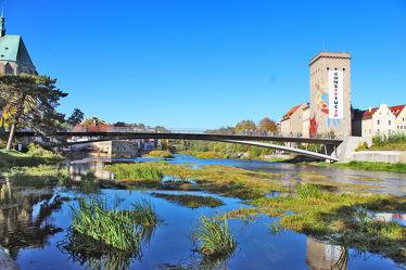 Bild mit Städte, Stadt, Stadt Görlitz, Görlitz, Görlitz Blick, Brücke, Altstadtbrücke, Grenzbrücke, Grenzfluß, Neisse