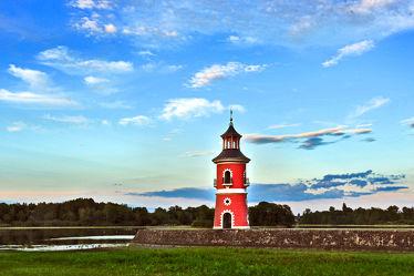 Bild mit Leuchttürme, Landschaft, Sehenswürdigkeit, turm, mystisch, Leuchtturm, Moritzburg, Schloss Moritzburg, Aussichtsturm, Fasanenschlößchen