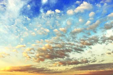 Mystischer Wolkenhimmel