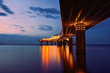 Seebrücke Timmendorfer Strand beleuchtet