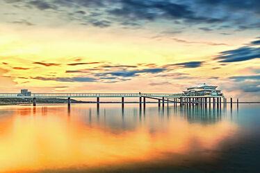 Seebrücke Timmendorfer Strand im Sonnenuntergang