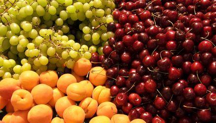 Bild mit Früchte, Lebensmittel, Sommer, Beeren, Trauben, Frucht, Obst, Küchenbild, Apfel, Apfel, Stillleben, Food, Food, Küchenbilder, KITCHEN, Küche, Küchen, Kochbild, Beere, Kirschen, vegan