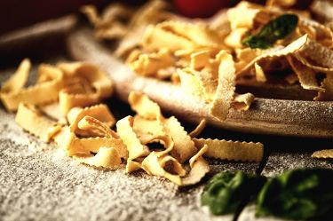Bild mit Lebensmittel, Nudeln, Küchenbild, Stillleben, Food, Küchenbilder, KITCHEN, Küche, Küchen, Spaghetti, Kochbild, vegan, kochen, Gewürze, Pfeffer