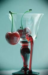 Bild mit Früchte, Lebensmittel, Glas, Frucht, Obst, Küchenbild, Kirsche, Stillleben, Food, Küchenbilder, KITCHEN, Küche, Kochbild, cherry, Kirschen, Gläser