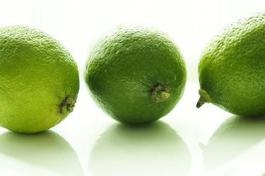 Bild mit Früchte, Lebensmittel, Zitrusfrüchte, Frucht, Limette, Limetten, Obst, Küchenbild, Küchenbilder, Küche