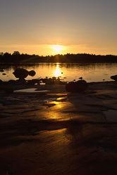 Abendsonne auf den Felsen auf Aland