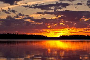 Sonnenuntergang am Lentuasee, Finnland