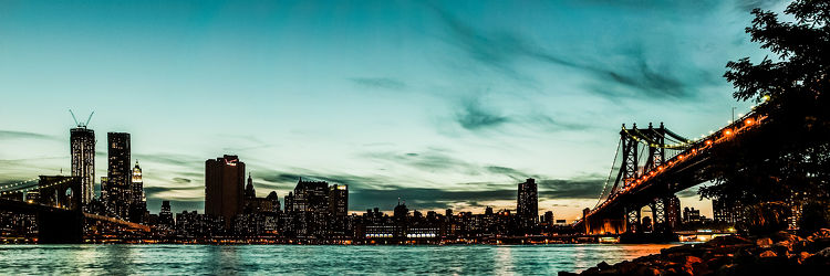New Yorks skyline at night (iceI I)