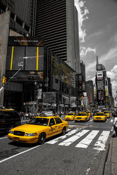 Bild mit Autos, Architektur, Straßen, Stadt, urban, New York, New York, monochrom, Staedte und Architektur, USA, schwarz weiß, hochhaus, wolkenkratzer, metropole, Straße, Hochhäuser, SW, Manhattan, Brooklyn Bridge, Yellow cab, taxi, Taxis, New York City, NYC, Gelbe Taxis, yellow cabs, cabs