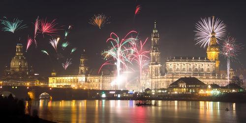 Bild mit Gebäude, Städte, Häuser, Brücken, Stadt, Dresden, Brücke, City, Nacht, Skyline, Fluss, Elbe, Barock, silvester, Nachtaufnahme