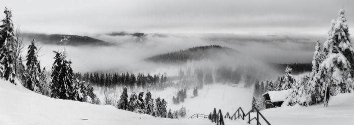 Bild mit Natur, Landschaften, Berge, Schnee, Eis, Tannen, Landschaft, Harz, berg, Kälte, Gebirge, schwarz weiß, Wind, gefroren, SW, Gipfel, Kalt, Polar, Wurmberg