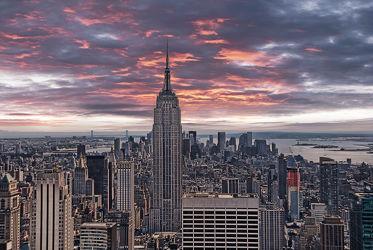 Bild mit Autos, Sonnenuntergang, Architektur, Sonnenaufgang, Straßen, Stadt, New York, Staedte und Architektur, USA, Skyline, hochhaus, wolkenkratzer, metropole, Straße, Hochhäuser, Manhattan, Brooklyn Bridge, Yellow cab, taxi, Taxis, New York City, NYC, Gelbe Taxis, yellow cabs, 1st Ave, Times Square